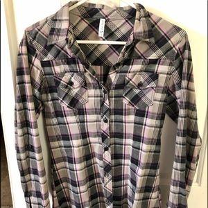 Full tilt plaid long sleeve shirt